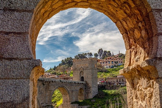 Vineyards & Cathedrals of Central Spain